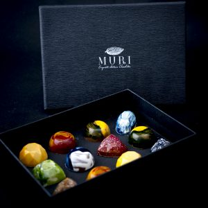 cutie bomboane pictate, cutie ciocolata, cadouri dulci