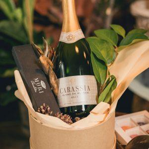 produs in romania, vin si ciocolata, pachet Craciun, cadou craciun, cadouri corporate, cadou pentru ea, cadou pentru el, cadou special, ciocolata premium, ciocolata lux, cadou lux, produs in romania